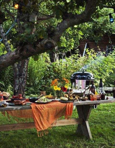 C mo decorar tu mesa de jard n for Como decorar una mesa de madera vieja