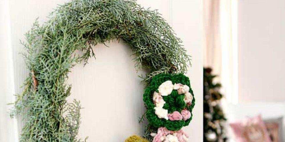 C mo hacer una corona de navidad para tu entrada for Como hacer una corona de navidad para la puerta